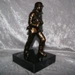 Brandmand i metal, sort marmor. Højde 230 mm Dkr 950,00 Bestillingsnr BRP0016